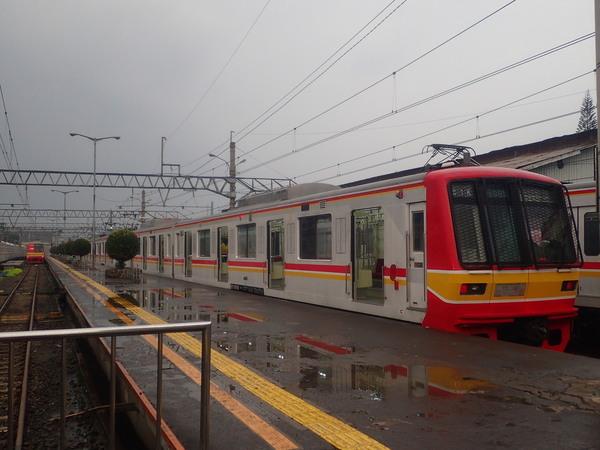 インドネシア ジャカルタ ボゴール駅停車中の元東西線05系
