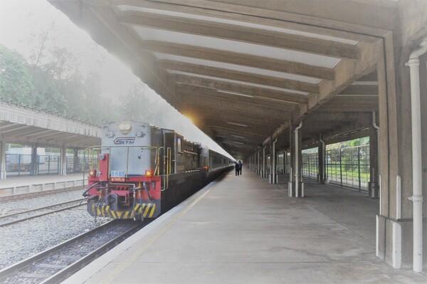 実際に乗車した列車、シンガポール駅構内で