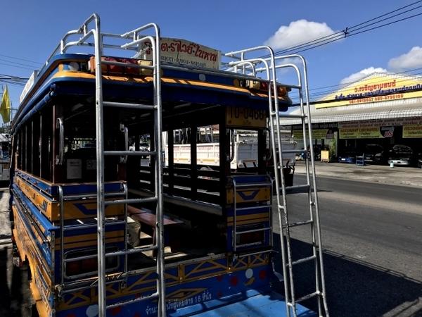 ソンテウ内部の様子 アジアのバス